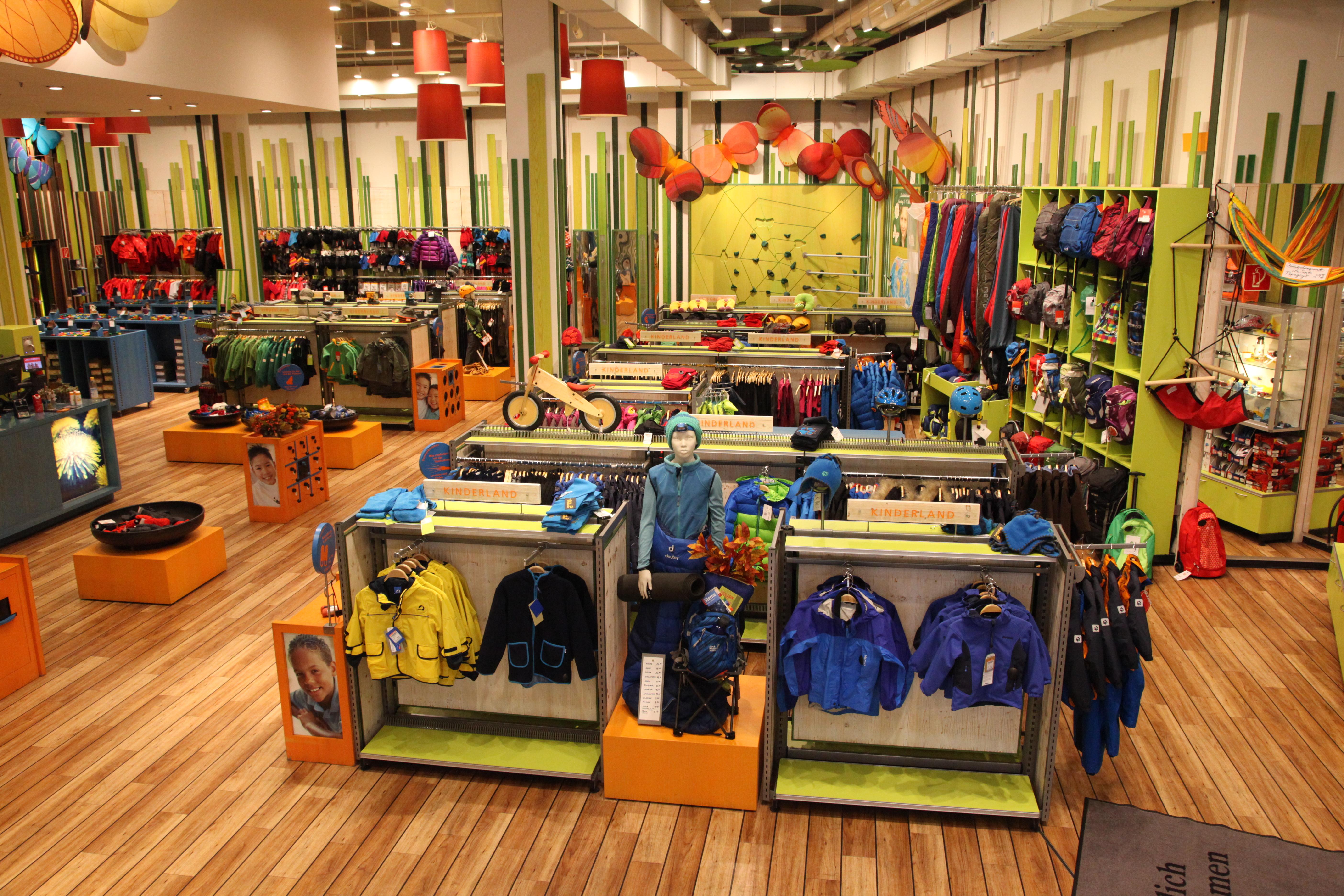Kletterausrüstung In Berlin Kaufen : Presseinfo filiale berlin globetrotter