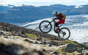 Biken auf Island.