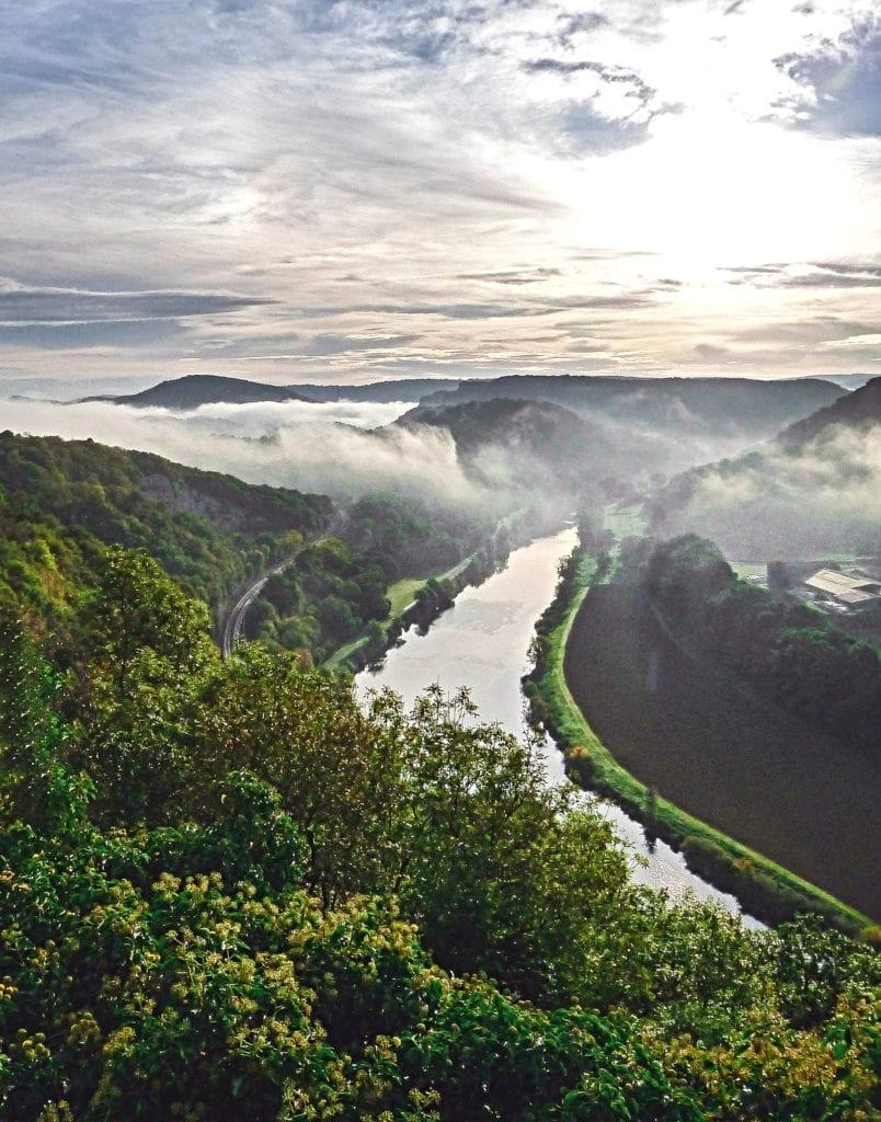 Der Fluss Doubs in Frankreich