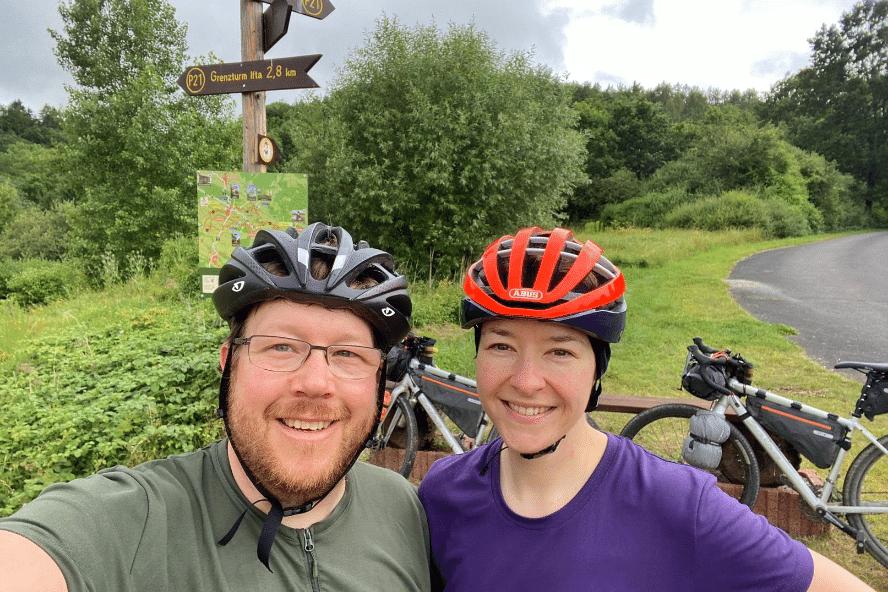 Auf Bikepacking-Tour von Ost nach West