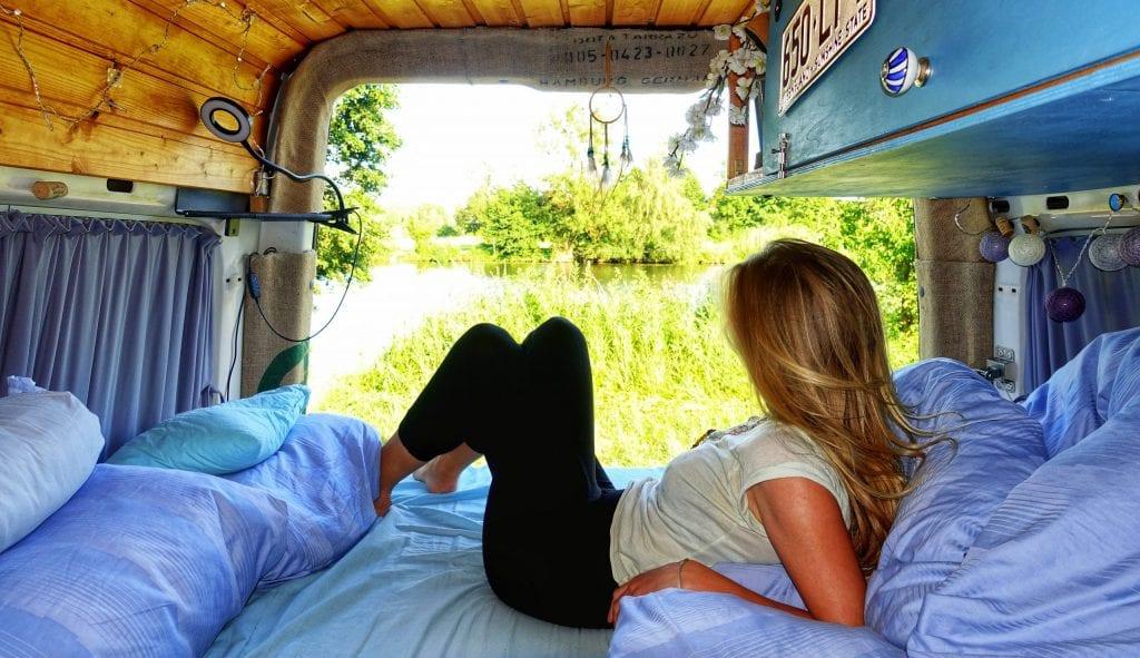 Vanlife Bett im Van
