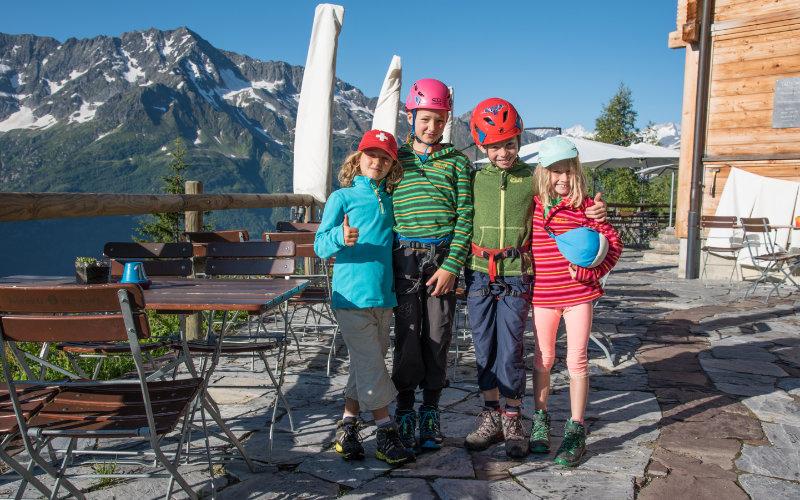 Vier Kinder, zwei Wege und ein Ziel. Grundlage für eine erfolgreiche Tour sind attraktive, kinderfreundliche Ziele und gute Planung.