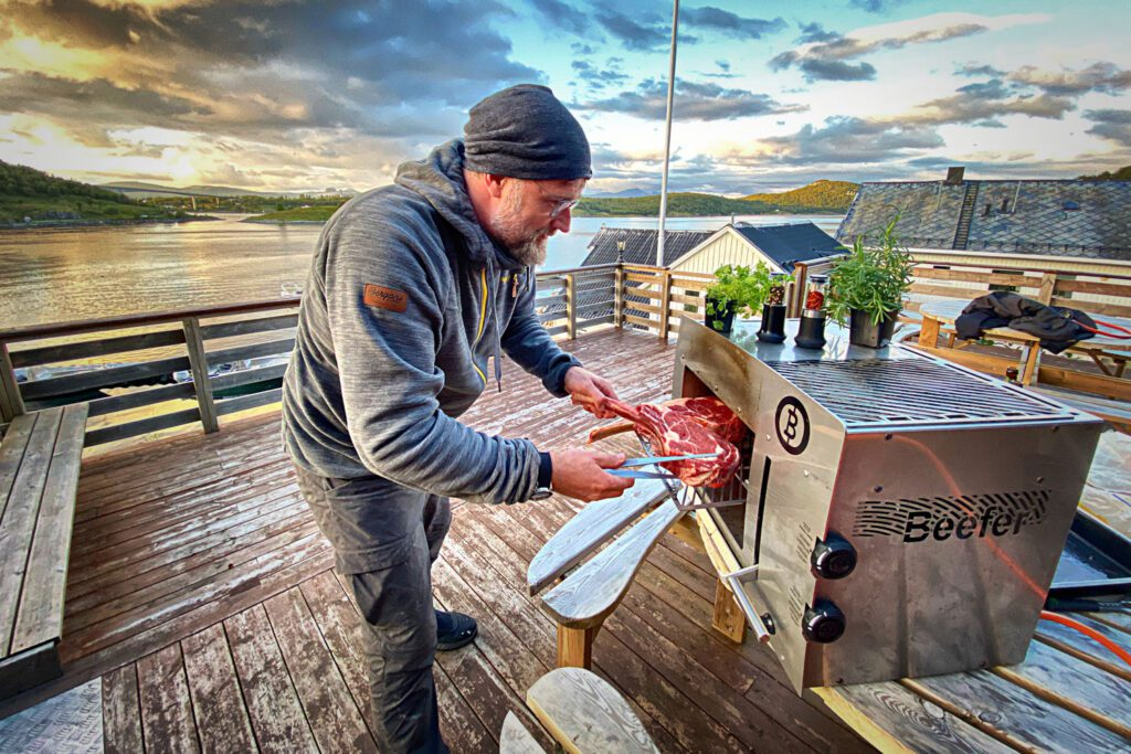 Gemeinsam mit dem dänischen Schuhhersteller Ecco Outdoor verlosen wir ein 4-tägiges Outdoor-Abenteuer mit Starkoch Brian Bojsen in Norwegen.
